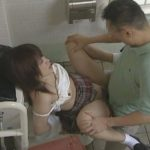 【ヘンリー塚本・島田香奈】「私、先生のためならなんでもできます」女子高生と教師が公園のトイレで不倫ファック