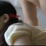 【愛須心亜・ヘンリー塚本】母の留守、部屋で本を読んでいるところを二度目の父にはめられかわいい喘ぎ声をもらす美少女
